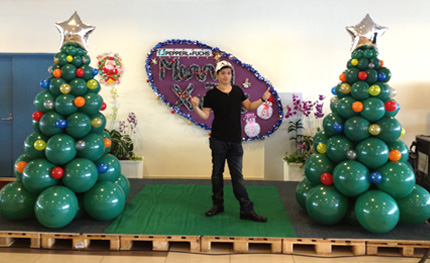 magician for birthday party kids birthday kids party entertainer balloon sculpture singapore